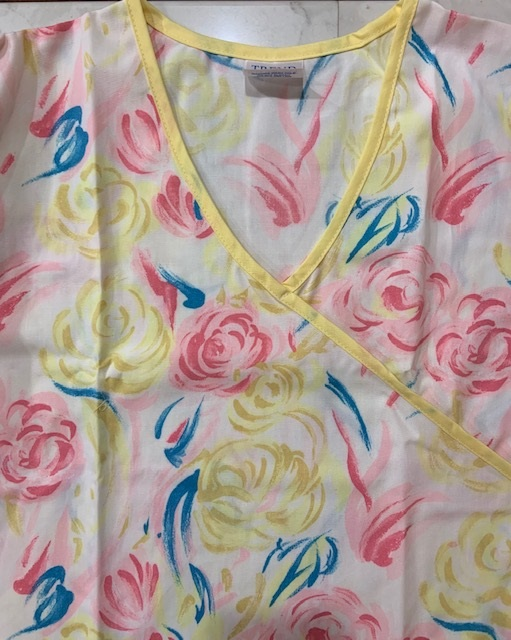 BET12820 - X-LARGE Yellow N Pink Flowers print scrubs